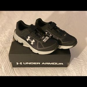 Brand new Under Armour boys sneakers- size 2.5